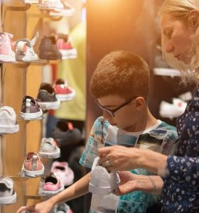 4 tips voor het kopen van schoenen voor je zoontje